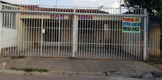 Escriturada Casa de 2 Quartos + Barraco de Fundo - Oportunidade