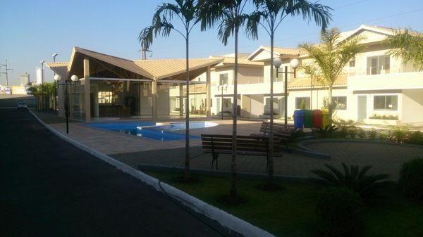 Casa em condomínio com 3 quartos no R- Vilar Primavera - Bairro Setor Castelo Branco em Go