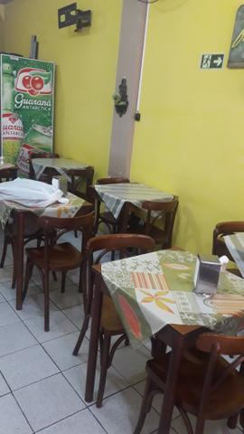 Restaurante no centro.(completo)