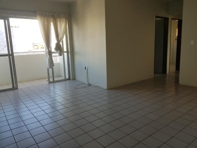 Apartamento com 3/4, 2 banheiros varada área de 70 m2, 8º andar - Jatiúca - Foto 2