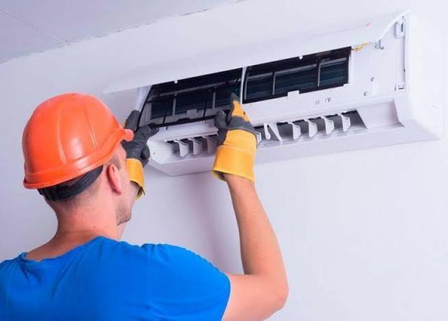 Técnico de ar condicionado (orçamento 24 h zap )