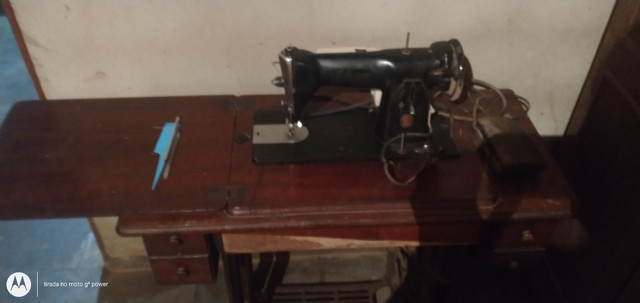 Máquina costura Singer aromática