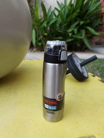 Garrafa térmica (squeeze) - Thermos 530ml - Foto 2