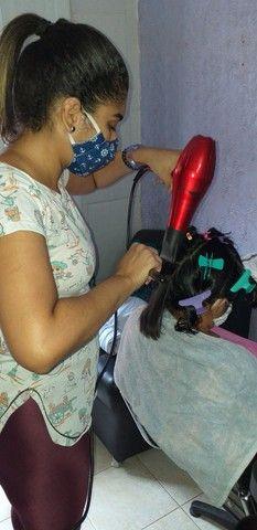 Curso de escovista para iniciantes/ cabelereiro/auxiliar de cabelereiro. - Foto 4