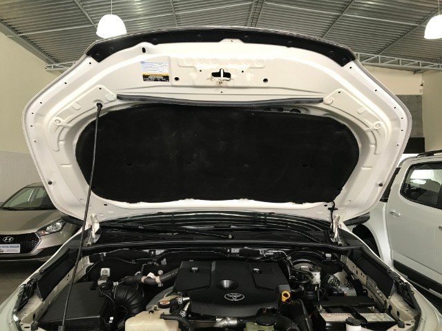 Hilux SRX 4x4 Aut. Diesel 2018 - Foto 15