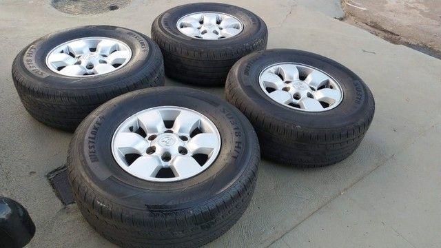 rodas hilux 2006 aro 15 com pneus