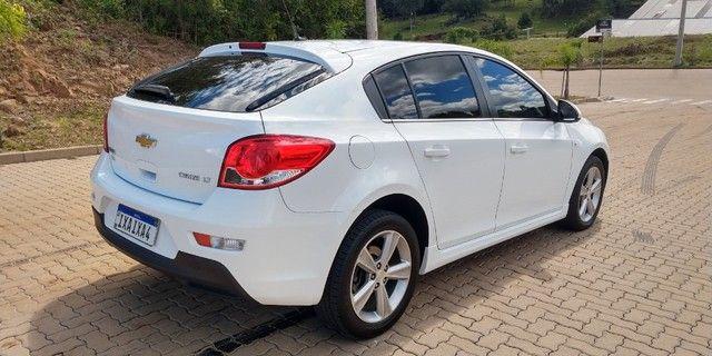 GM Cruze Sport 6 Hatch 2015 couro automático IPVA 2021 pago - Foto 4