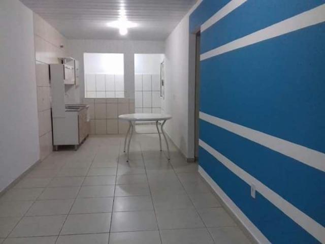Apartamento semi mobiliado nos Ingleses- com dois quartos .contrato anual