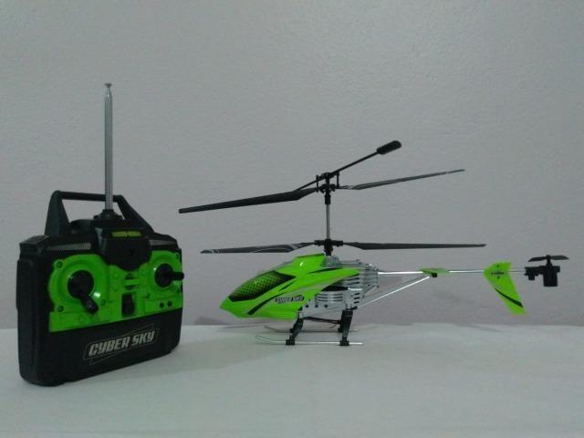 Helicóptero CyberSky - Controle