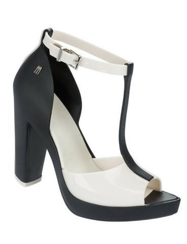 f7de5ad6bb Sandália de Salto Melissa Bite Preto e Branco - Roupas e calçados ...