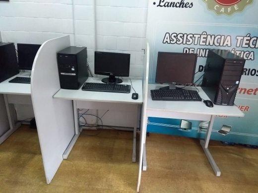 Mesa para computador / escritório