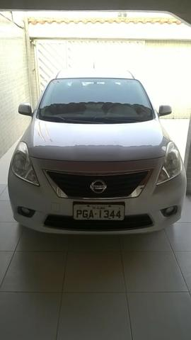 Nissan Versa SL 1.6 16v Flex 2013/2014 - Foto 9