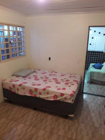 Alugo casa fundos mobiliada - Foto 4