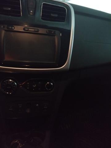 Renault Logan Exclusive 1.6 - Foto 3