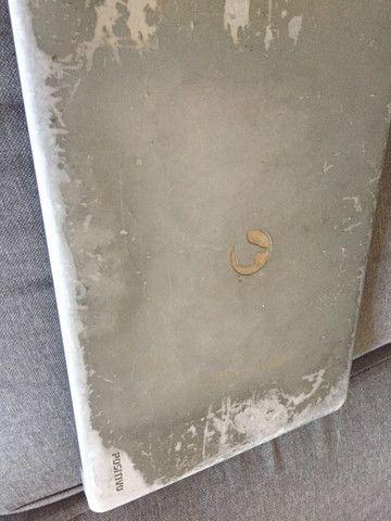 Notebook,funciona normalmente!! Mas a tela está quebrada! - Foto 3