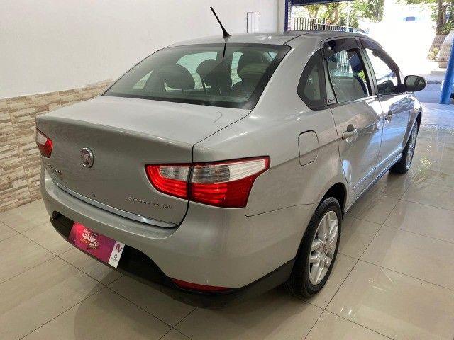 Fiat Grand Siena Essence 1.6, carro bem novo 2013 - Foto 6