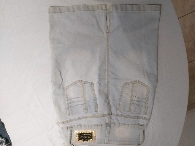 saia de jeans claro  marca 23º - Foto 2