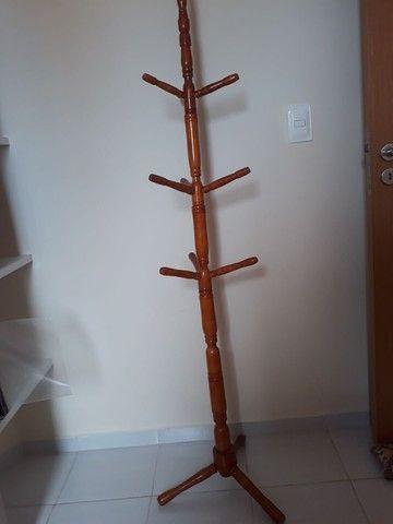Cabideiro em madeira - Foto 2