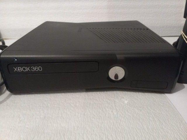 xbox 360 slim bloqueado 1 controle e todos os cabos - Foto 2