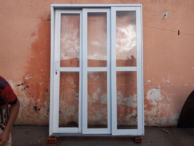 Porta de ferro com vidro - Foto 2