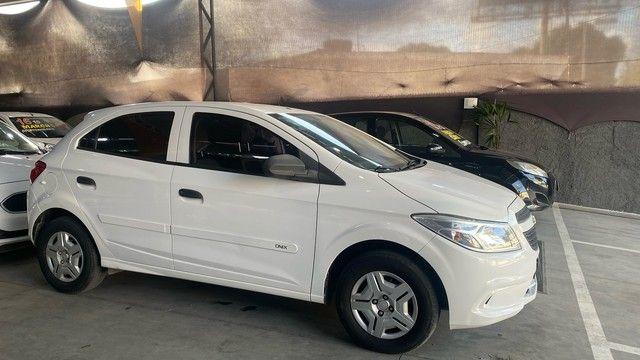 Chevrolet ONIX 1.0  joy 2016 ( único dono )  - Foto 2