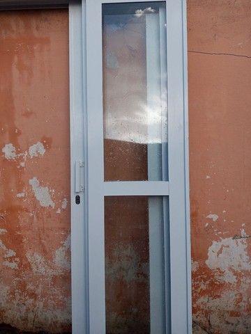 Porta de ferro com vidro - Foto 5