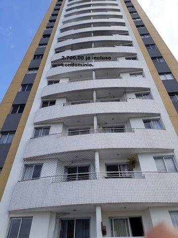 Apartamento com 2 quartos sendo 1 no Aleixo 100% mobiliado.,,;,//-