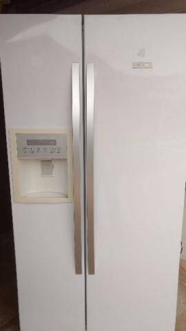 Geladeira Electrolux Side by Side SS72B