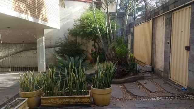 Casa 4 quartos e piscina no Bairro Caiçara.