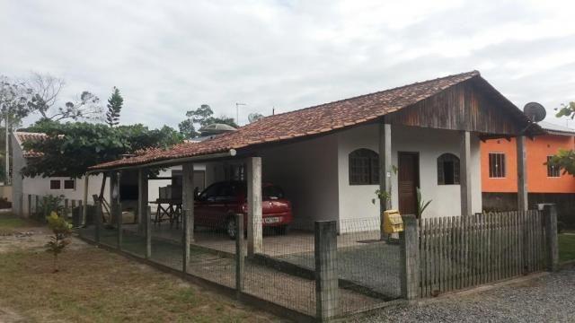Boa casa de alvenaria em itapoá, aproximadamente 1.100 metros da praia, total de 108 m2 co - Foto 2