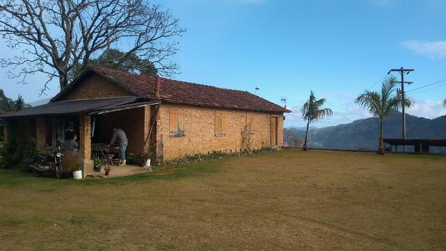 Belíssimo sítio em Pedra Aguda - Bom Jardim - RJ - Foto 11