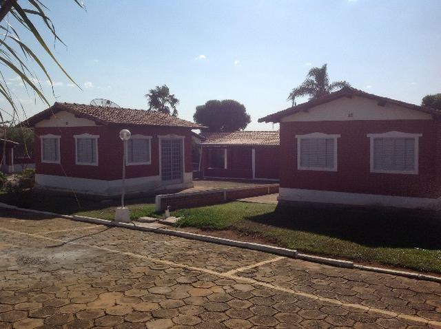 Chalé em caldas,condomínio bem localizado,com terreno caso vc queira ampliar - Foto 2