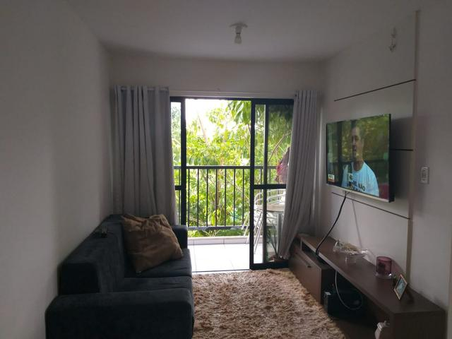 Oportunidade - 2 quartos, varanda, com planejados.