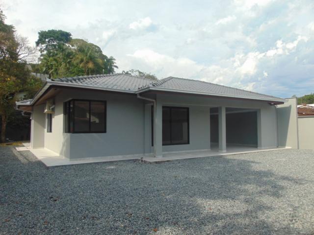 Casa para alugar com 3 dormitórios em America, Joinville cod:04599.003