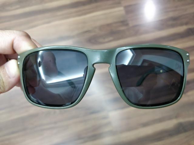 75f115bd8eabf Óculos de sol Oakley Holbrook Original com lentes Prizm ...
