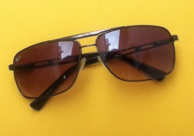 Óculos Ray-Ban Unisex marrom muito bom estado - Bijouterias ... 9db1e19c77
