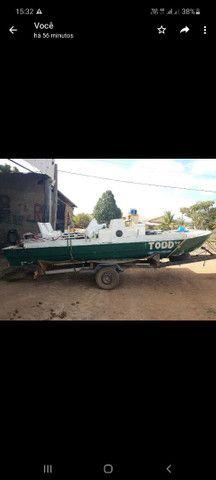 Catamarã de fibra com carreta e motor