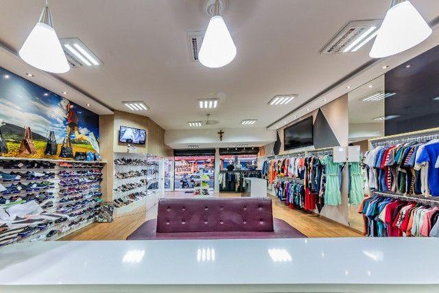 Vendo loja de calçados e confecção linda e rentável - Foto 3