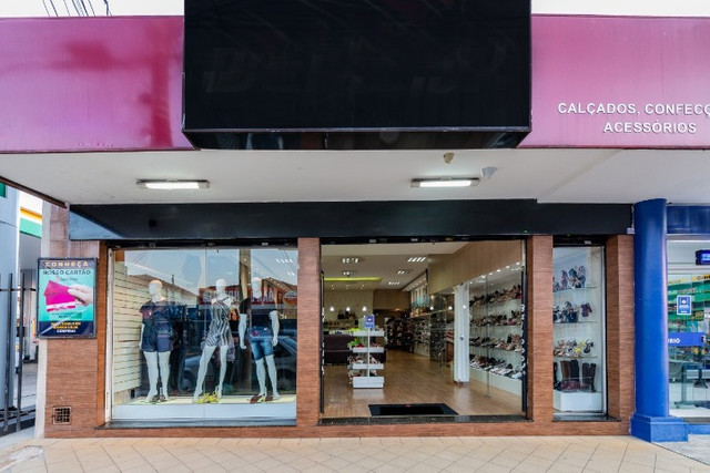 Vendo loja de calçados e confecção linda e rentável - Foto 6