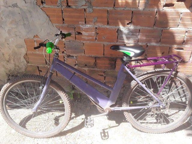 Bicicleta esta boa, so falta uma pintura, peças estao boa