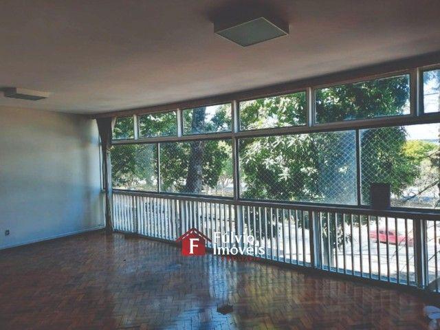 Apartamento com 3 Quartos, Vaga de Garagem e Elevador em Asa Sul. - Foto 3