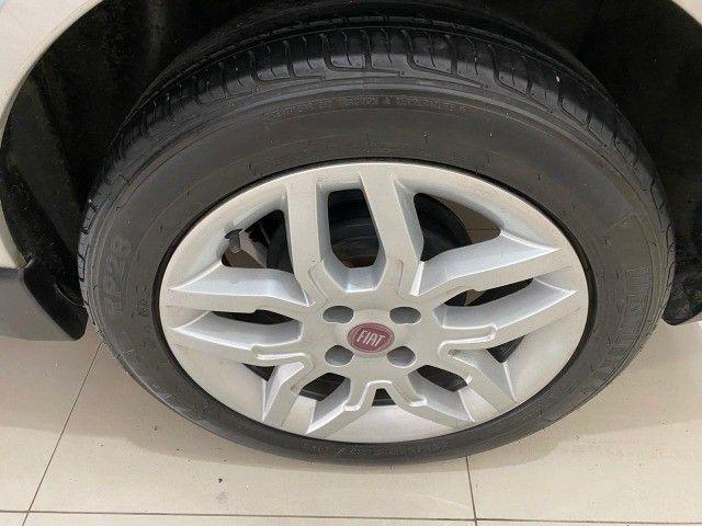 Fiat Grand Siena Essence 1.6, carro bem novo 2013 - Foto 11