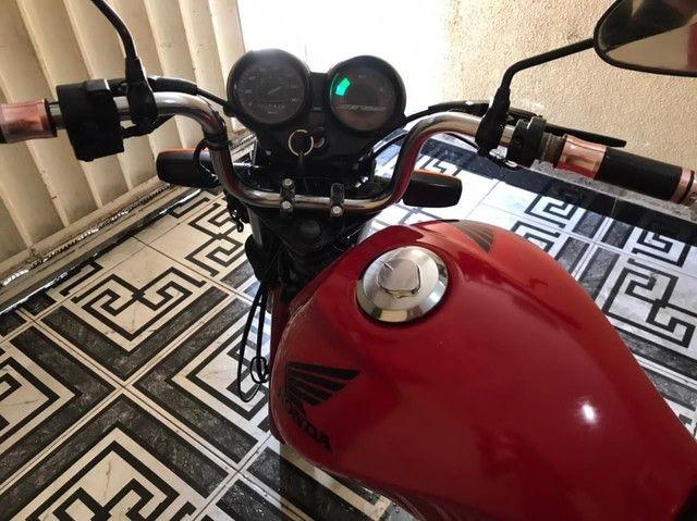 Moto 125 Honda cg vermelha , ano 2011 extra de tudo . - Foto 3