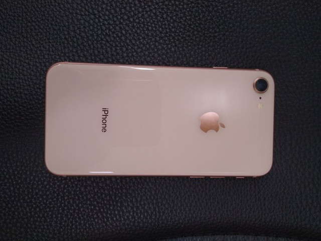 iPhone 8 64gb Ouro Rosê - Foto 2