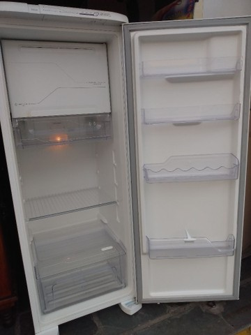 Geladeira Frost Free Eletrolux - Foto 2