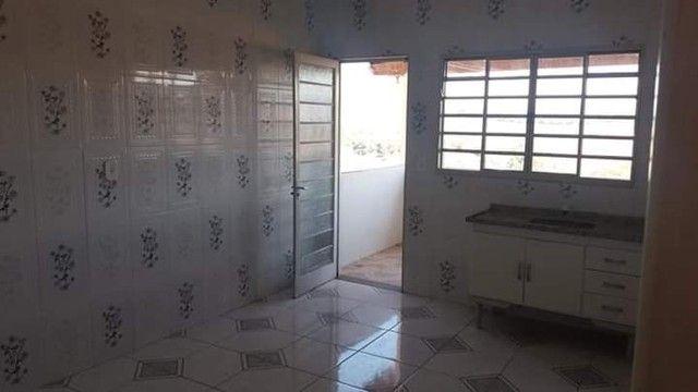 Oportunidade, vendo - 2 casas assobradadas, no bairro Santa Monica em São Lourenço-MG - Foto 6