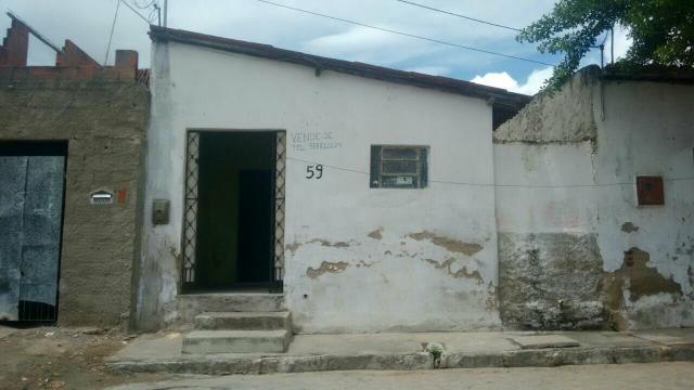 Vende-se casa no bairro Santa Cruz Campina Grande PB