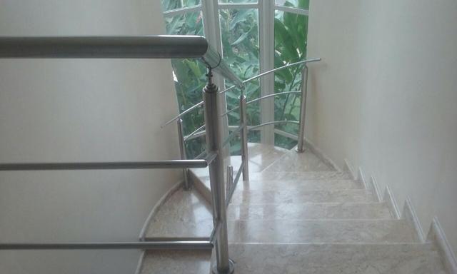 Venda - Excelente Sobrando, com 05 quartos no Cond. Res. Rio de Janeiro II - Foto 16