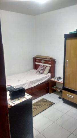Excelente casa com sala 02 dormitórios condições de ampliar - Foto 4