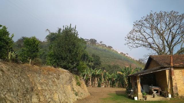Belíssimo sítio em Pedra Aguda - Bom Jardim - RJ - Foto 15